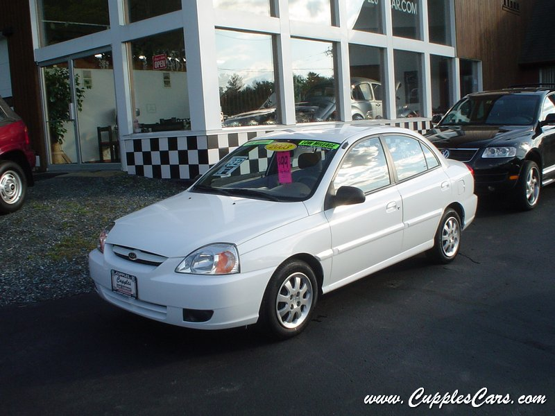 used 2003 kia rio sedan for sale in laconia nh. Black Bedroom Furniture Sets. Home Design Ideas