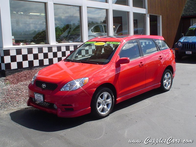 used 2004 toyota matrix 4wd for sale in laconia nh. Black Bedroom Furniture Sets. Home Design Ideas