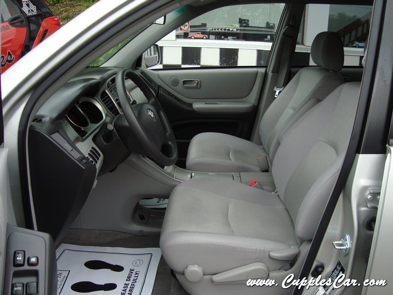 2006 toyota highlander awd 4 cylinder for sale in laconia nh cupples used. Black Bedroom Furniture Sets. Home Design Ideas