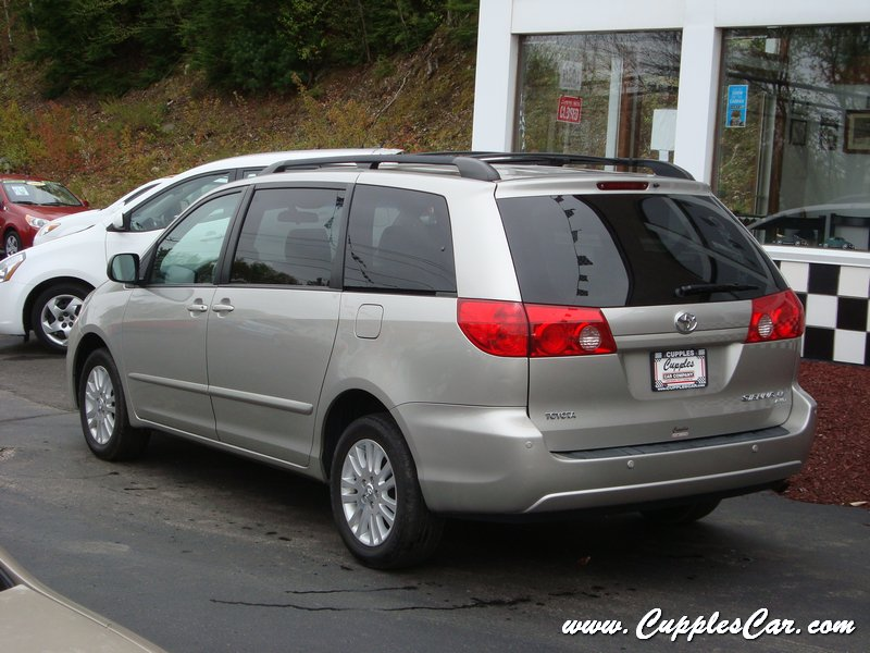 Used 2008 Toyota Sienna Awd Le Dvd For Sale In Laconia Nh
