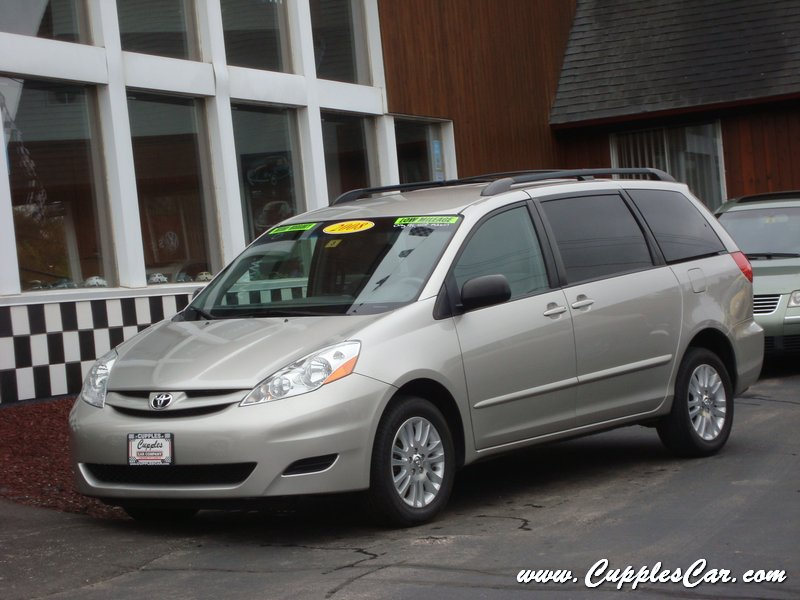 used 2008 toyota sienna awd le dvd for sale in laconia nh. Black Bedroom Furniture Sets. Home Design Ideas