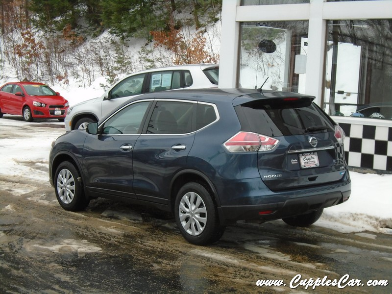 2014 nissan rogue s 7 passenger 4wd automatic with low miles for sale in laconia nh cupples. Black Bedroom Furniture Sets. Home Design Ideas